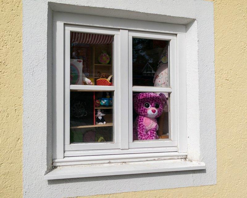 Skuteczne blokady na okna – bezpieczeństwo dziecka
