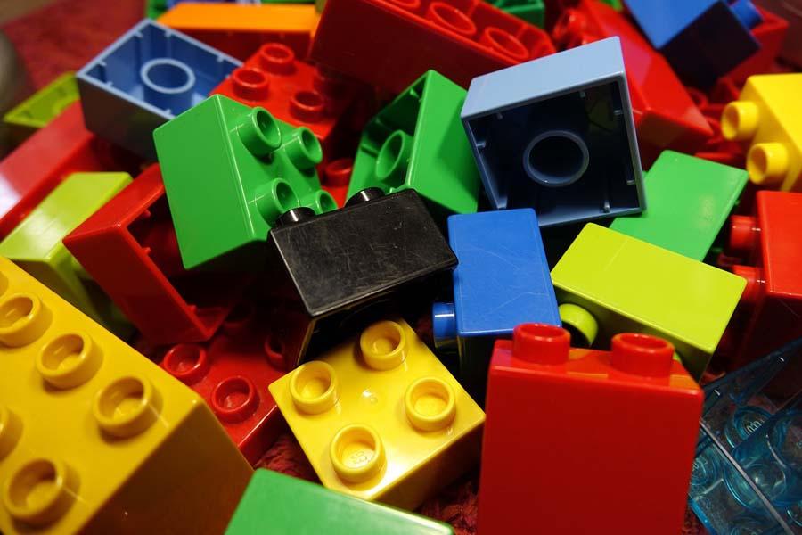 Jakie zabawki wspomagające rozwój?