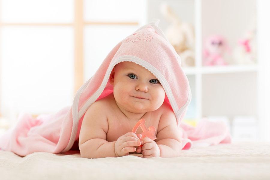 Bezpieczne zabawki dla niemowlaka