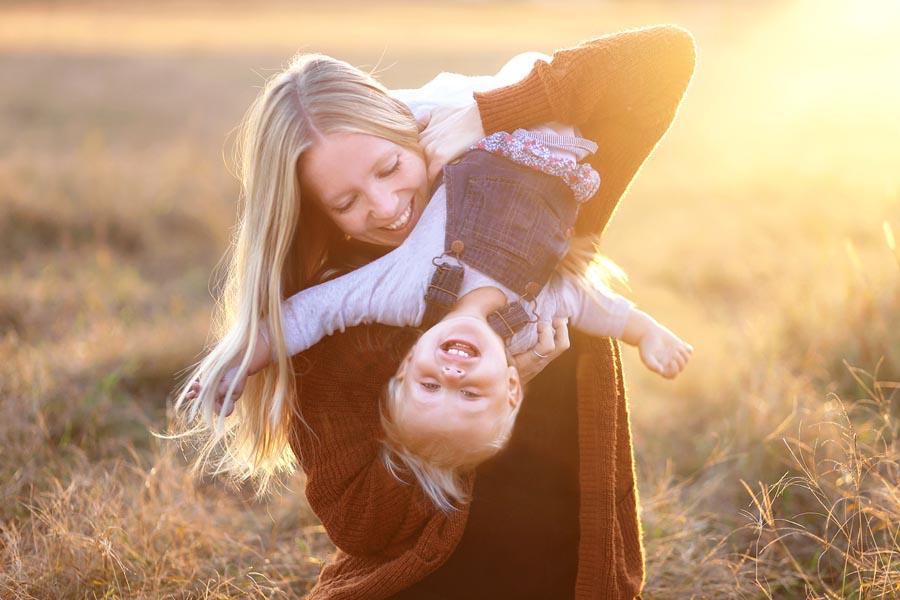 Gadżety odblaskowe na jesień – wyposaż w nie swoje dziecko!