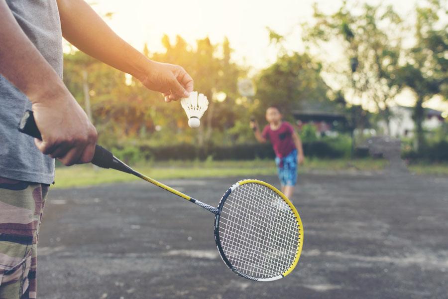 Stwórz domowe boisko do badmintona