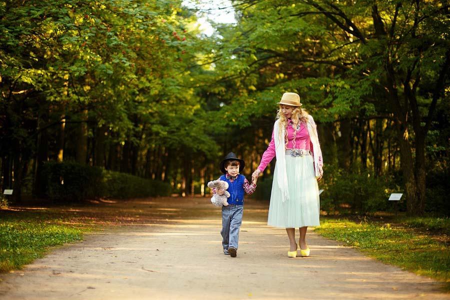 Instynkt macierzyński jako więź między matką a dzieckiem