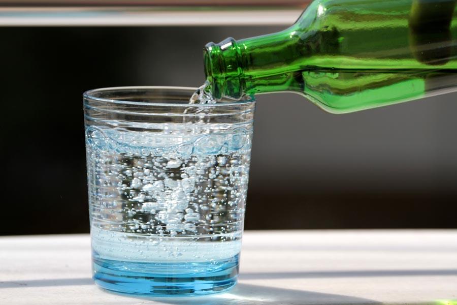 Dystrybutor wody do domu Dar Natury – najlepszy sposób na smaczną wodę w Twoim domu!
