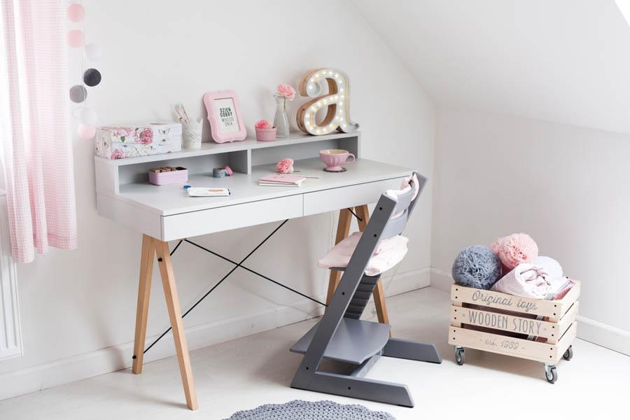 Kompaktowe meble do pokoju dziecięcego