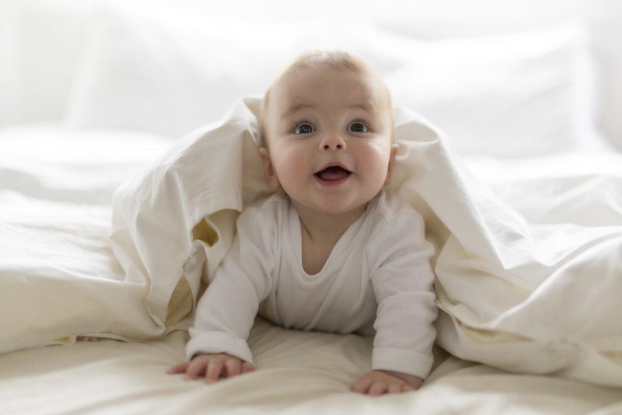 Ból ucha u dziecka. Jak się objawia i jak sobie z nim poradzić?